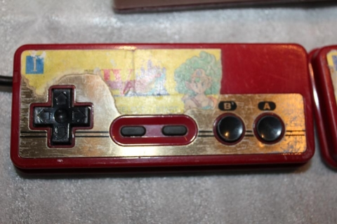 Famicom unboxing - Dragon Quest controller sticker